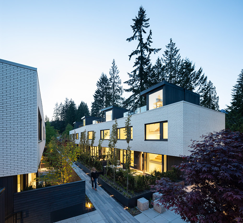 office of mcfarlane biggar architects + designers, North Vancouver, British Columbia, Canada, Edgemont Boulevard Townhomes
